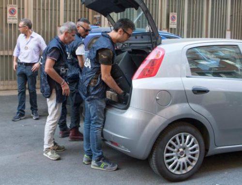SGOMBERO MIGRANTI A ROMA: SPUNTANO TELEVISORI AL PLASMA, PELLICCE E L'OMBRA DEL RACKET