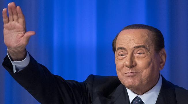 Berlusconi salva il governo conte