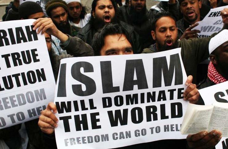 RELIGIONE DI PACE? L'ISLAM SI IMPONE CON LA VIOLENZA